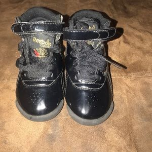 ba55f7b5 Infant Toddler High Top Black Reebok Shoes Size 4
